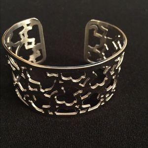 Bracelet(s)